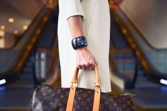 fashion-woman-cute-airport (1)