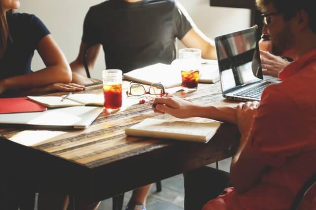 people-coffee-tea-meeting (1)
