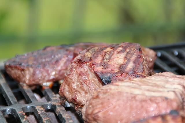 steak-steaks-barbecue-summer-55808 (1)