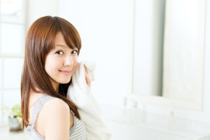 花粉症 目のかゆみ 目の腫れ 薬 洗顔 洗眼