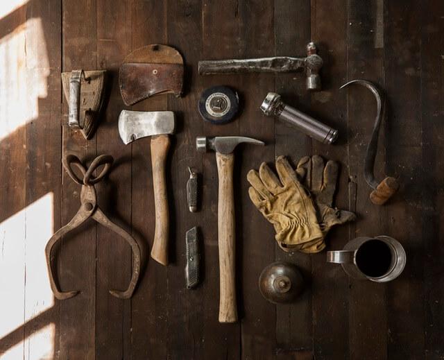 construction-work-carpenter-tools (1)