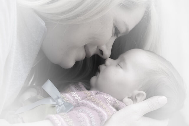 newborn-baby-mother-adorable-38535 (1)