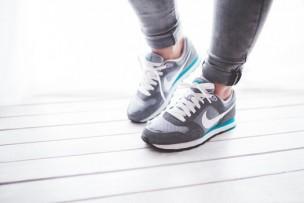 healthy-light-woman-legs-medium